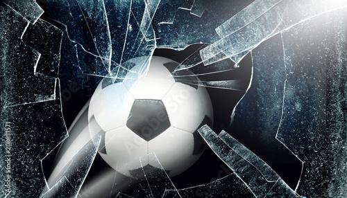 Ball durchbricht Fenster