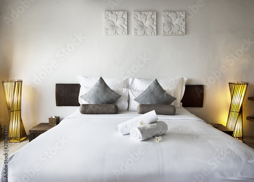 Photo Hotel room at a luxury resort