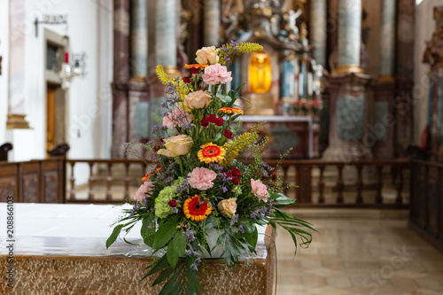 Aluminium Prints Bicycle flower bouquet in church altar