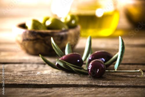 Fotobehang Aromatische Olives on branch
