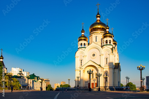 Staande foto Kiev Beautiful view of the Transfiguration Cathedral. Sunset. Dome Shine. Russia, Khabarovsk.
