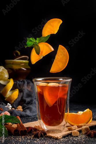 In de dag Thee Hot Tea with citrus