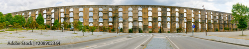 Photo Panoramic view of Amoreira Aqueduct in the town of Elvas