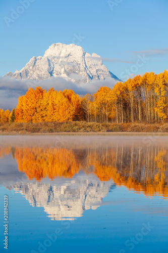 Deurstickers Honing Scenic Reflection Landscape of the Tetons in Autumn