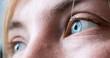 canvas print picture - Blaue Augen und Wimpern natürlich, Blick, Breitibld