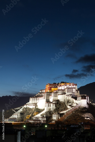potala palace in tibet Fototapeta