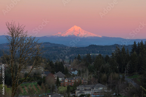 Mount Hood Over Happy Valley Oregon плакат