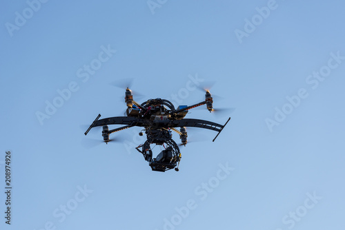 Fotografía  Heavy drone with professional cinema camera flying