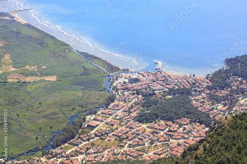 Foto  Akyaka cityscape from sakartepe with aegean sea