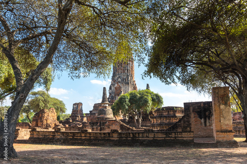 Foto op Aluminium Oude gebouw Ruins of the old city of Ayutthaya, Thailand