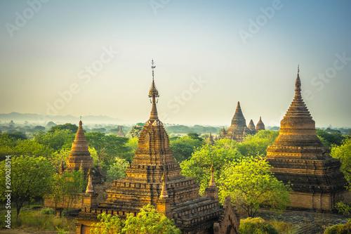 Photo  Sonnenaufgang über Bagan (Tempelstadt, Myanmar)