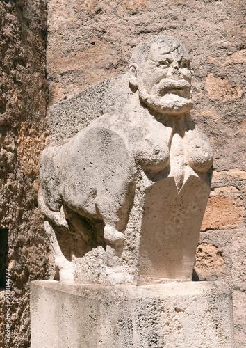 Fotobehang Historisch mon. Statue Boby Lapointe Pézénas