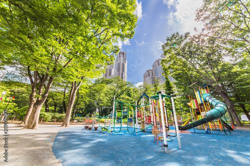 In de dag 新緑の新宿中央公園