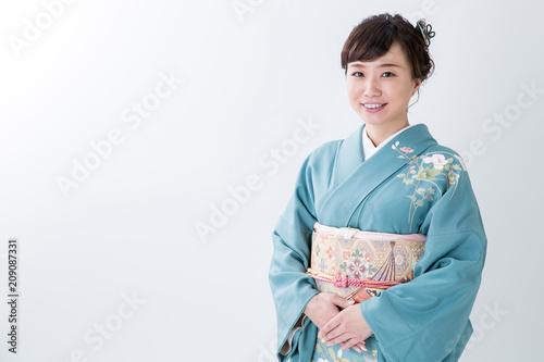 Canvas-taulu 着物姿の女性(笑顔)