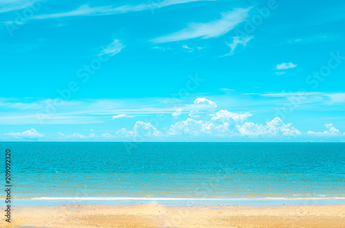 Keuken foto achterwand Turkoois Tropical beach in morning with blue sky and cloud at Huahin, Thailand, Wat Khao Takiap