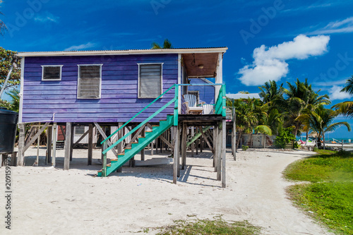 Fotografija Wooden house on stilts at Caye Caulker island, Belize