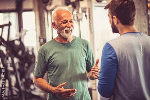 Fototapety, obrazy: Conversation at gym.