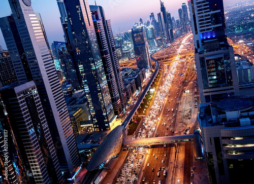mata magnetyczna Sheikh Zayed Road in sunset time, Dubai, UAE
