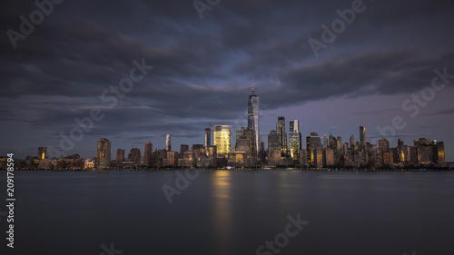 Plakat Panoramę Nowego Jorku w nocy