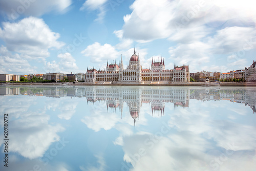 Fotobehang Centraal Europa View on the riverside with Parliament building during the daylight in Budapest city. Long exposure image technic