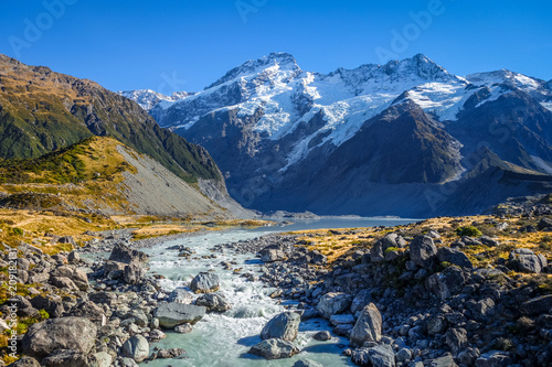Papiers peints Océanie Glacial lake in Hooker Valley Track, Mount Cook, New Zealand
