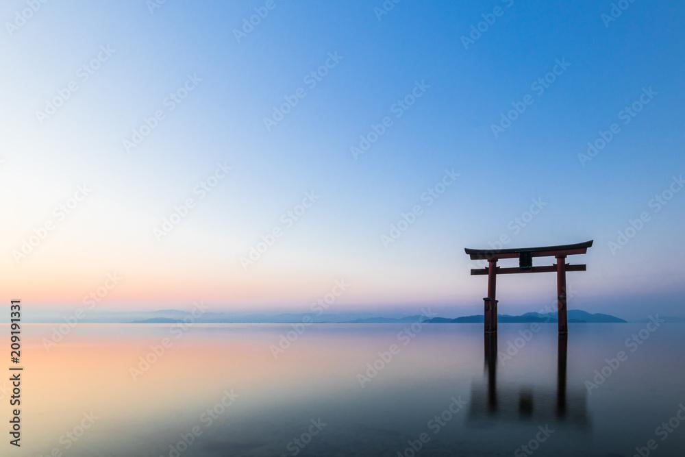 Fototapety, obrazy: 琵琶湖 白髭神社 夜明け