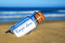 Flaschenpost Am Strand: Carpe ...