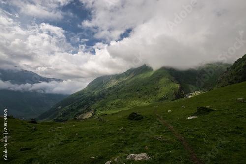 Fotobehang Donkergrijs Karasu Gorge, Ushtulu