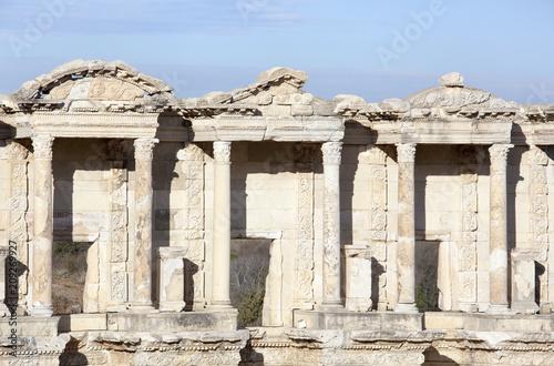 Foto op Aluminium Rudnes Facade Of Celsus Library