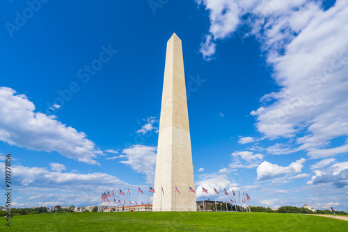 Fototapeta washington dc,Washington monument on sunny day with blue sky background