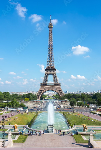 Fotobehang Parijs Eiffel Tower and Trocadero fountains, Paris, France