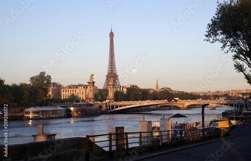 Deurstickers Eiffeltoren Paris Bridge of Alexander IIII Morning-2