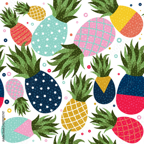 Foto  Pineapple fruit color background pattern