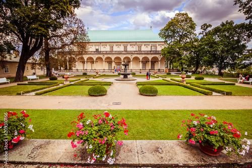 Plakat Lato pałac królowa Anne w lecie w Praga, republika czech