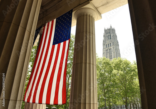 Fotografering  General Grant National Memorial and The Riverside Church in Upper Manhattan in N