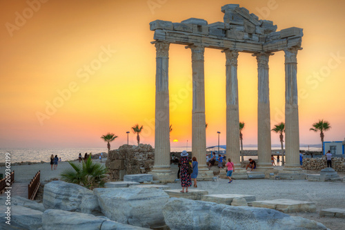 Fotobehang Historisch geb. The Temple of Apollo in Side at sunset, Turkey