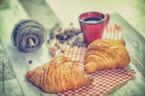 Canvas Prints Coffee beans croissant, café