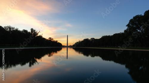Poster Lieux connus d Amérique Washington Monument at Sunrise