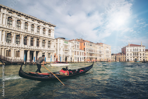 Fotobehang Gondolas Venetian Gondolier Punts Gondola in Venice, Italy