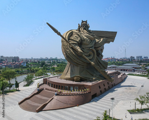 Poster Historisch mon. The Huge statues of Guan Yu, In The Guan yu temple, Hubei China.