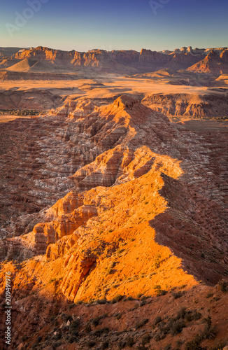 Foto op Plexiglas Diepbruine Sunset landscape in the desert southwest, Utah, USA.