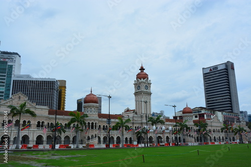Foto op Canvas Kuala Lumpur マレーシアクアラルンプールのスルタンアブドゥルサマドビル