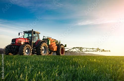 Photo  Pflanzenschutz im Ackerbau -