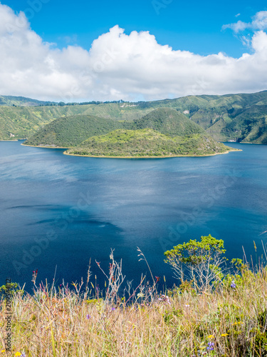 Fotobehang Zuid-Amerika land Laguna Cuicocha (Cotacachi) in Ecuador, South America