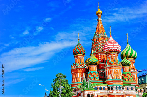 Foto op Canvas Aziatische Plekken View of St. Basil's cathedral on the Red Square in summer in Moscow, Russia.