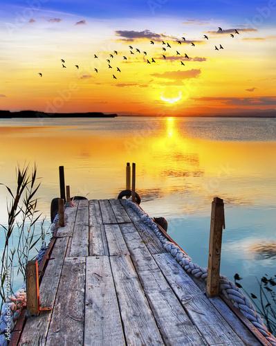 Recess Fitting Zen amanecer de colores sobre el lago