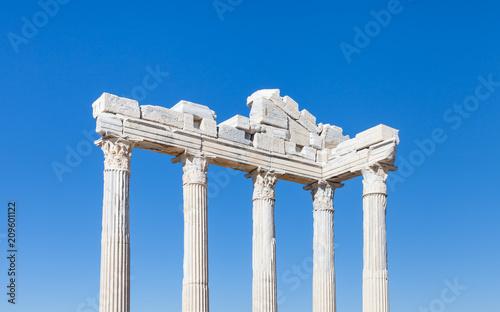 Foto op Plexiglas Bedehuis The Temple of Apollo. The Temple of Apollo is located in the ancient Greek city of Side in southern Turkey.
