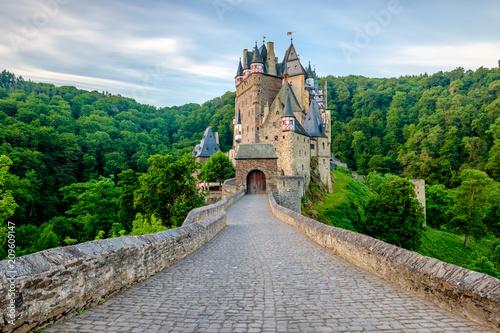 Foto op Plexiglas Historisch geb. Burg Eltz castle in Rhineland-Palatinate, Germany.