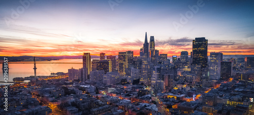 Panorama of the San Francisco skyline with brilliant sunrise Wallpaper Mural