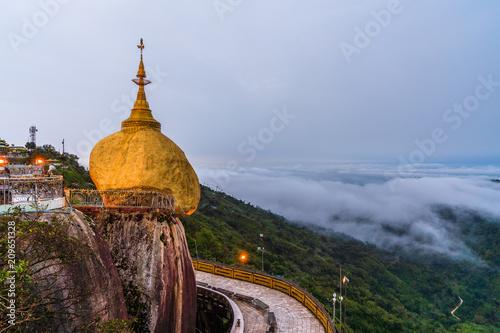 Foto op Canvas Asia land Kyaiktiyo Pagoda ,Myanmar